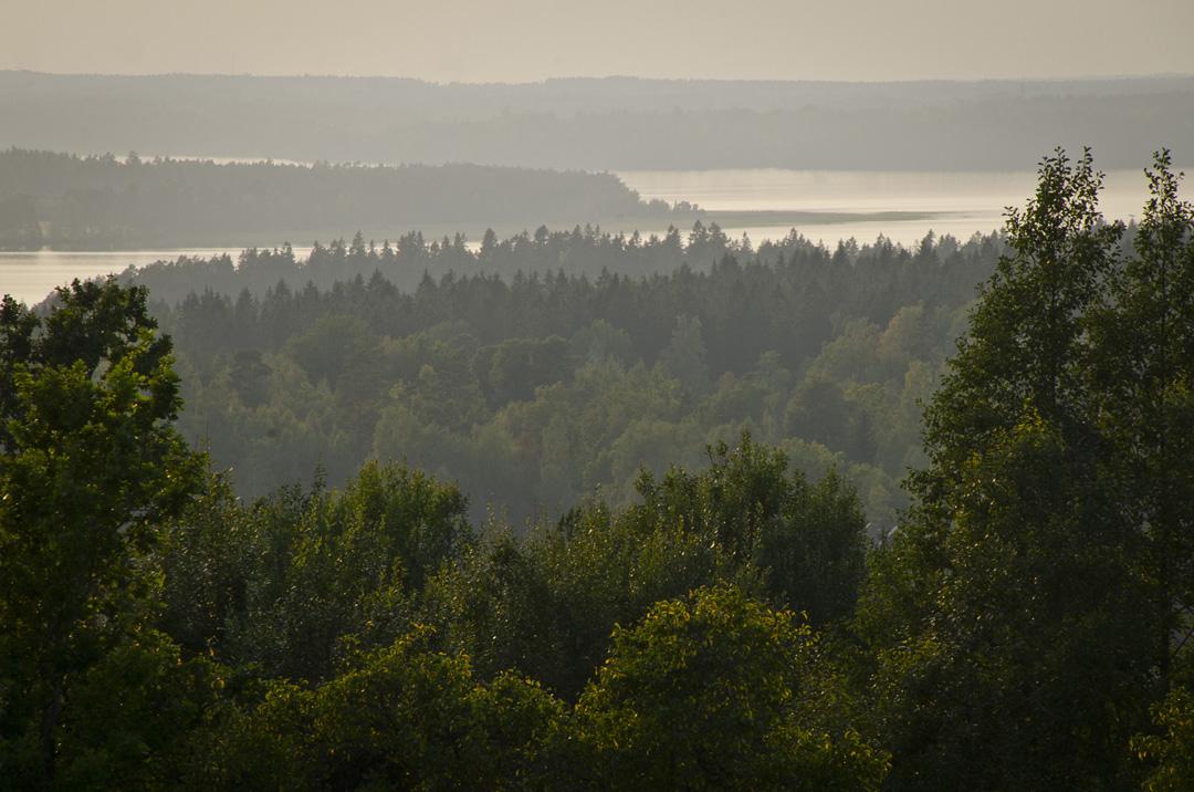 Utsikt över sjön Viken från Källebacken